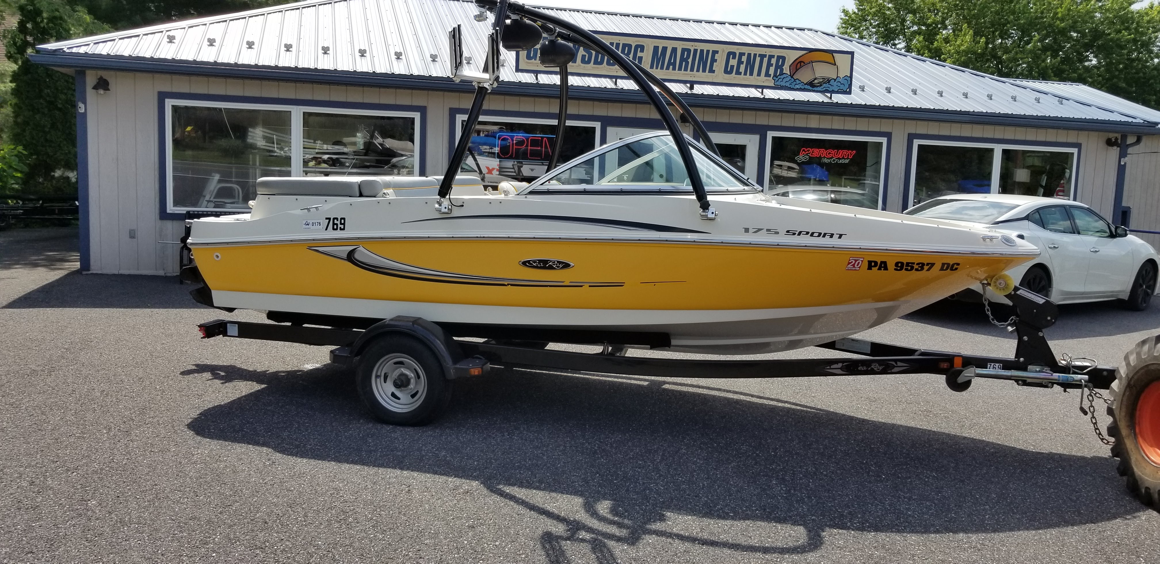 Pre-Owned 175 Sea Ray